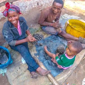 Madagascar - savonnerie traditionnelle